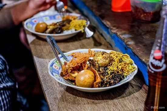 makanankhassurabaya3