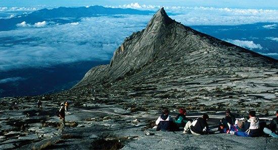 gunungtertinggididunia10