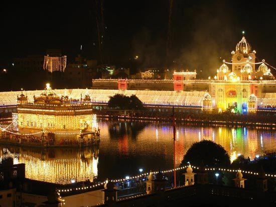 festivalsejutawarna10
