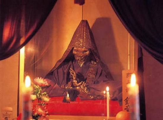 ritualpemakamanunik5